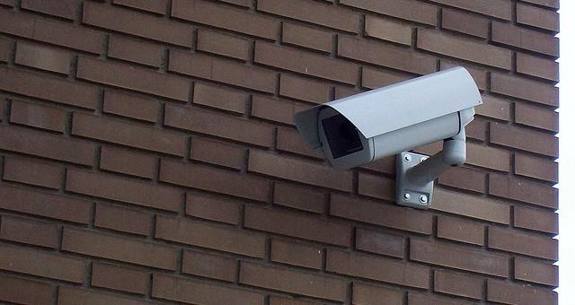 ¿Quién puede Instalar Videocámaras en la Comunidad de Propietarios?